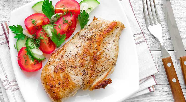 خواص و ویتامین های موجود در سینه مرغ که باید بدانید