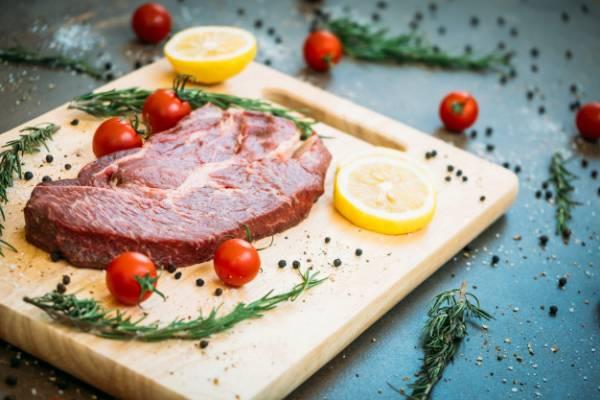 جلوگیری از آب مروارید چشم با مصرف گوشت