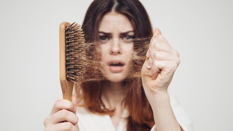 همین حالا ریزش مو خود را متوقف کنید