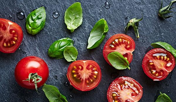 رازهای زیبایی با خوردن گوجه فرنگی