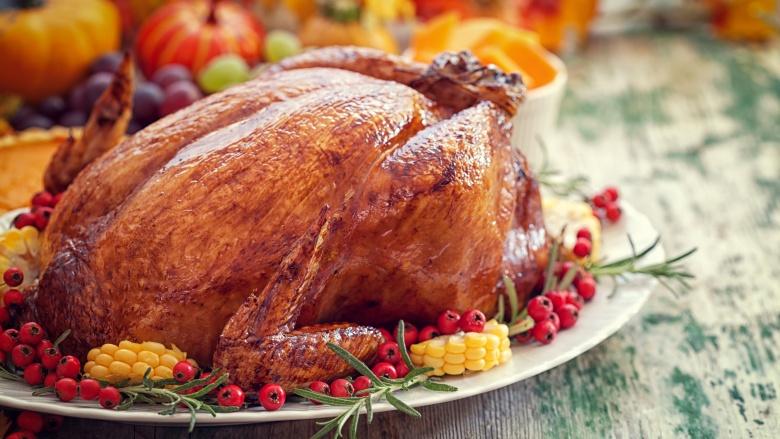 چرا اروپائیان در روز شکرگزاری بوقلمون می خورند؟