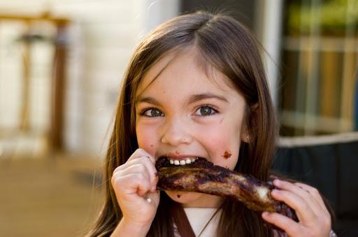آیا می دانید مصرف گوشت رشد کودکان را افزایش میدهد؟!